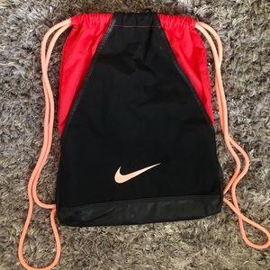 🤍FREE W/ PURCHASE Nike Drawstring Bag